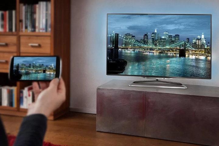 Как сделать из Андроид-смартфона телевизор?